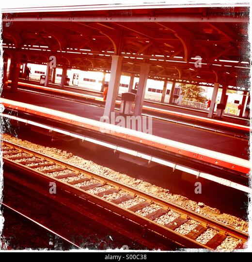 Railway tracks in Jamaica Station, New York. - Stock Image
