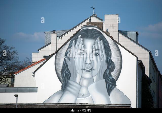 Köln, Ehrenfeld, Christianstrasse, Architektur und Wandmalerei - Stock-Bilder