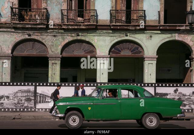 Cuba car architecture stock photos cuba car architecture for Classic american architecture