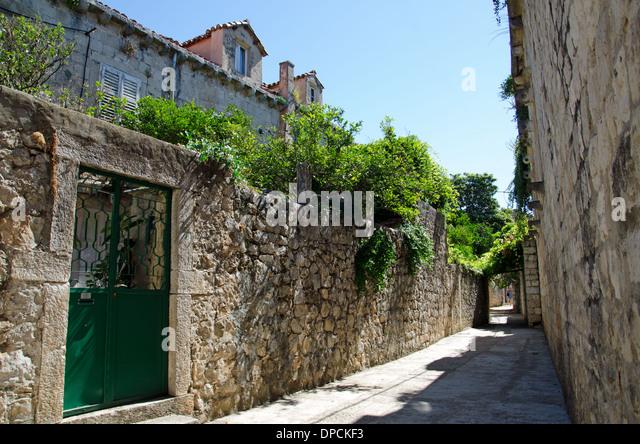 An alley in Croatia - Stock-Bilder