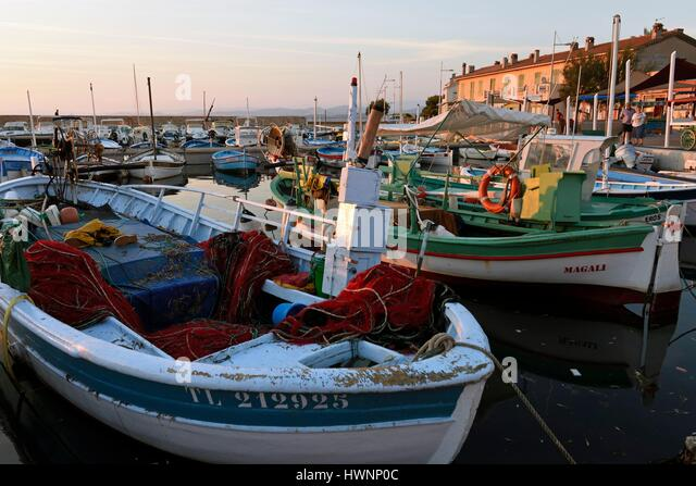France, Var, Six Fours les Plages, hamlet Le Brusc, the harbor, traditional fishing boats, the Pointus - Stock-Bilder