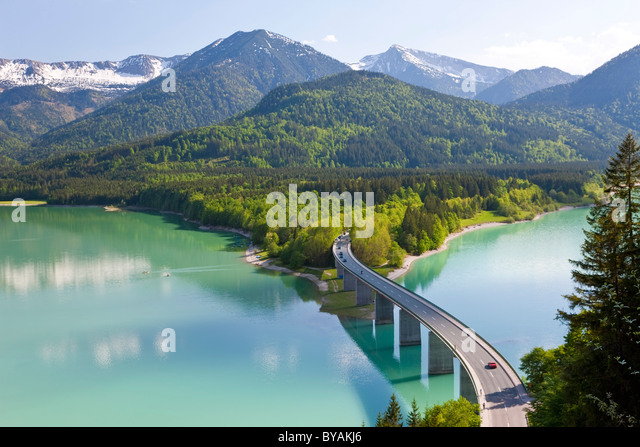 Sylvenstein Lake and Bridge Bavarian Alps Bavaria Germany - Stock-Bilder