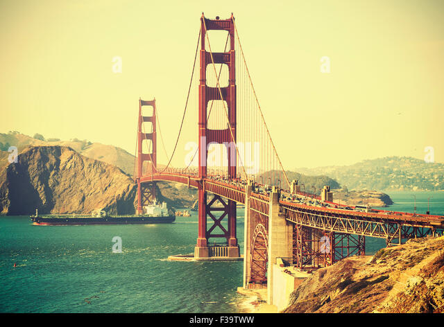 Old film retro style Golden Gate Bridge in San Francisco, USA. - Stock-Bilder