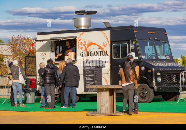 Canada, Quebec province, Montreal, Olympic Park, the street food truck event at the base of the tower of the Olympic - Stock Image