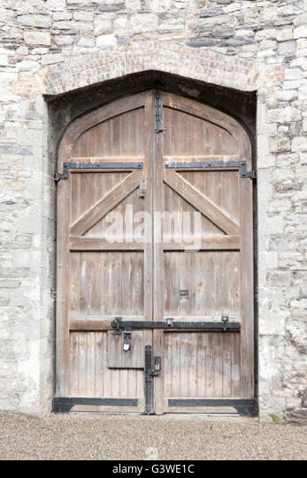 Kilmainham Gaol Dublin Ireland. Main gate in Courtyard where members of the Easter rising were executed by firing - Stock Image