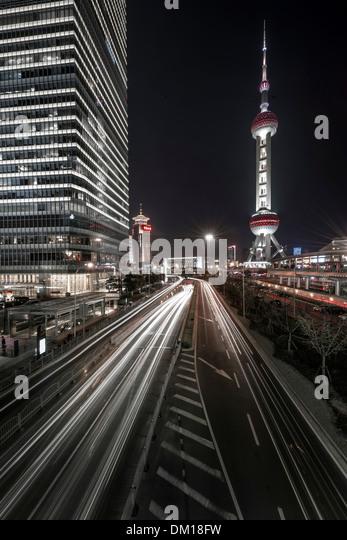 Traffic at night, Lujiazui, Pudong, Shanghai, China - Stock Image