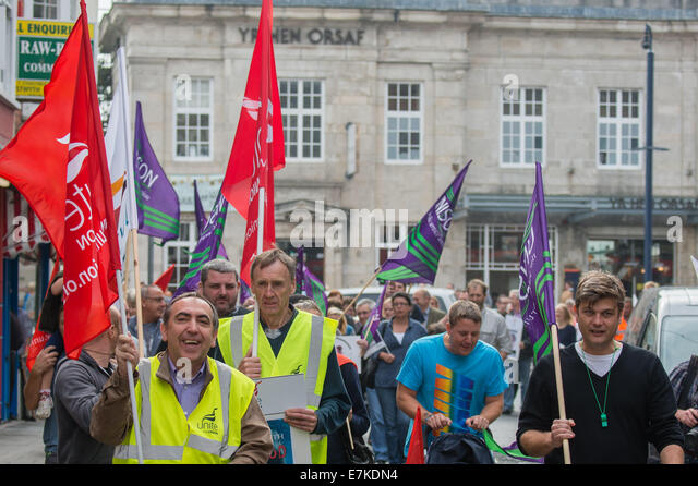 Aberystwyth, Wales, UK. 20th September, 2014.  Over a hundred members of UNITE and UNISON unions and their supporters - Stock Image