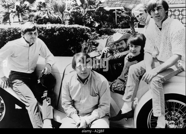 BEACH BOYS US group about 1965 from left Bruce Johnson Carl Wilson Mike Love Brian Wilson Al Jardine Dennis Wilson - Stock Image