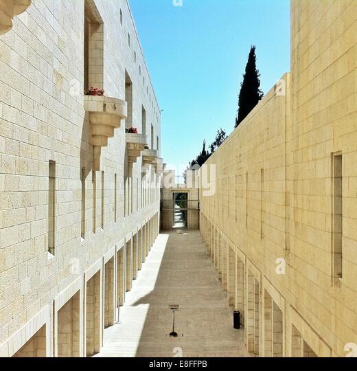Courtyard of building - Stock-Bilder