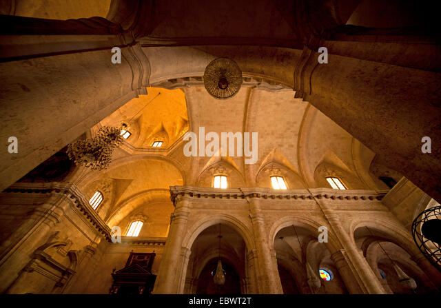 Interior of the Cathedral of San Cristobal, Havana, Cuba - Stock Image