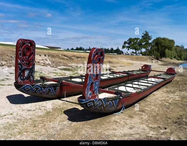 Ngaruawahia New Zealand  city photos gallery : Waikato River NGARUAWAHIA NEW ZEALAND Maori waka racing canoes Stock ...