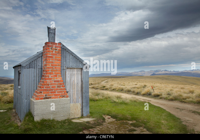 AA Hut, Kopuwai Conservation Area, Old Man Range, Southland, South Island, New Zealand - Stock Image