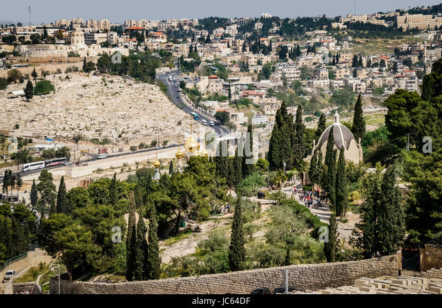 Looking over Jerusalem from the Mount of Olives. Below center are the golden onion domes of the Russian Orthodox - Stock Image