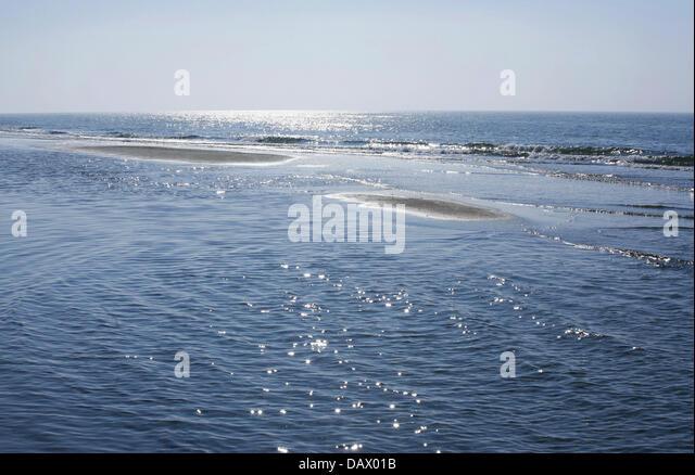 The Baltic Sea overflows sandbanks near Dierhagen, Germany, 1 May 2007. Photo: Wolfram Steinberg - Stock Image