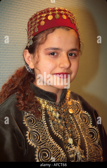 Turkey Istanbul Hasir Restaurant waitress Anatolian folk costume - Stock Image