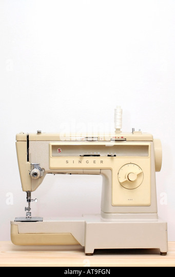 singer school model sewing machine