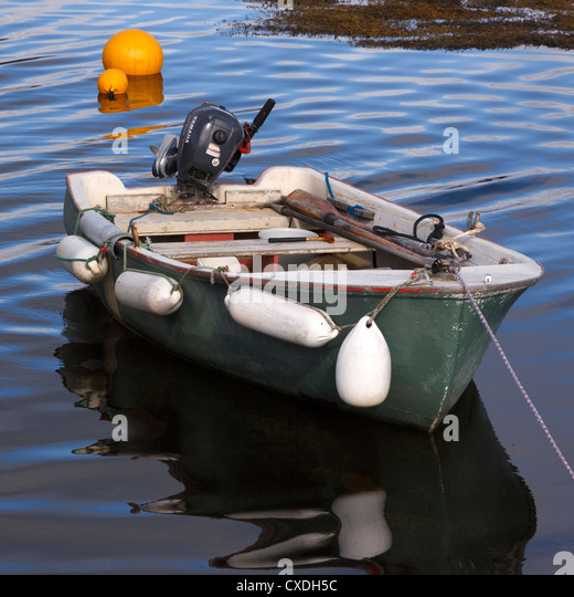 Outboard motor stock photos outboard motor stock images for Green boat and motor