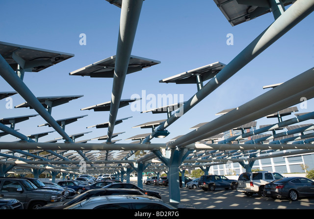 Solar panels in cityscape - Stock Image