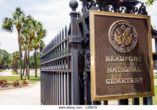 South Carolina Beaufort Historic district National Cemetery entrance fence plaque - Stock Image