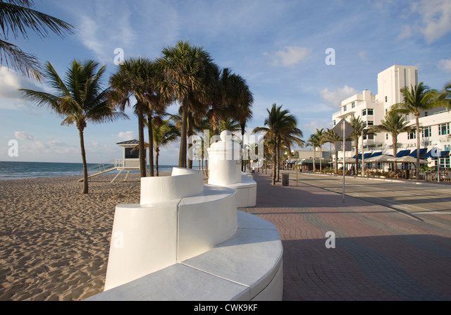 Promenade cafes stock photos promenade cafes stock for Agadir moroccan cuisine aventura fl