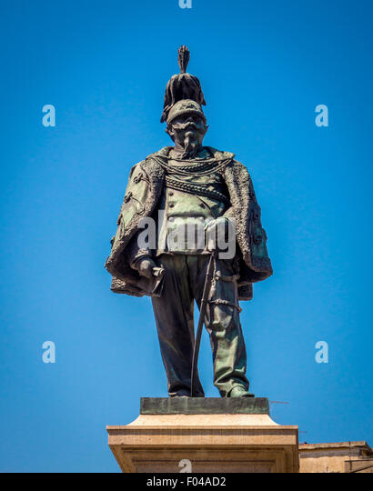 Statue of Vittorio Emmanuel ll King of Italy in Piazza Vittorio Emmanuel ll. Pisa, Tuscany, Italy. - Stock Image