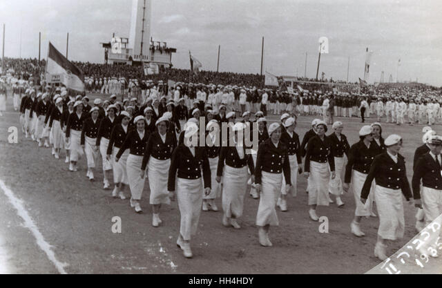 2nd Maccabiah Games (Aliyah Olympics), Tel Aviv, 2-10 April 1935. Athletes taking part in the opening ceremony parade - Stock Image