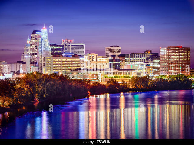Hartford, Connecticut, USA skyline at twilight. - Stock Image