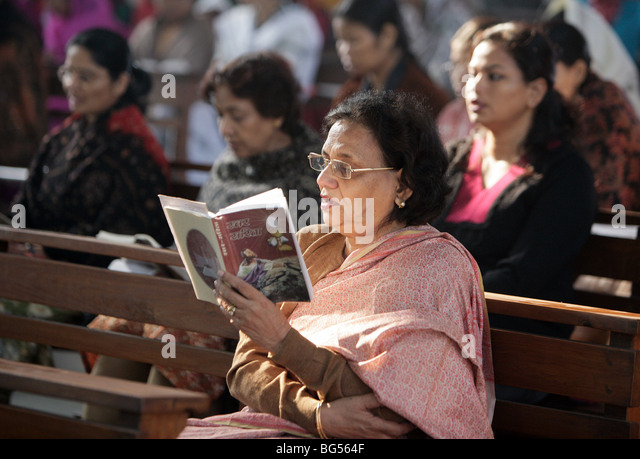 Sunday mass service in the roman catholic cathedral Saint Joseph's in Lucknow, Uttar Pradesh, India - Stock-Bilder