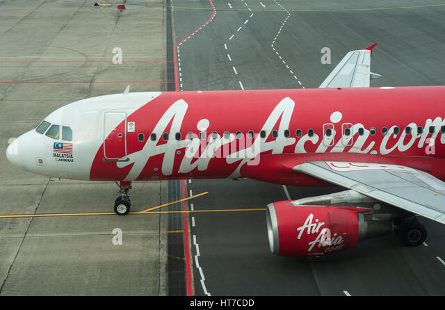 low cost carrier and air asia Airasia established in 1993 and start the operations on 18 november 1996 (wikipedia, 2011) inspired by the success of ryanair and easyjet as low cost carrier, toni fernandes saw the potential of having the same concept in asia.