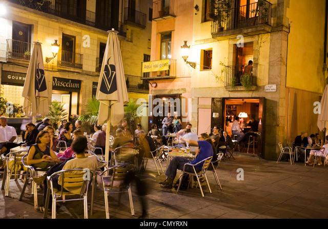 Plaza de Santa Maria, street cafes in the evening, La Ribera, Barcelona - Stock Image
