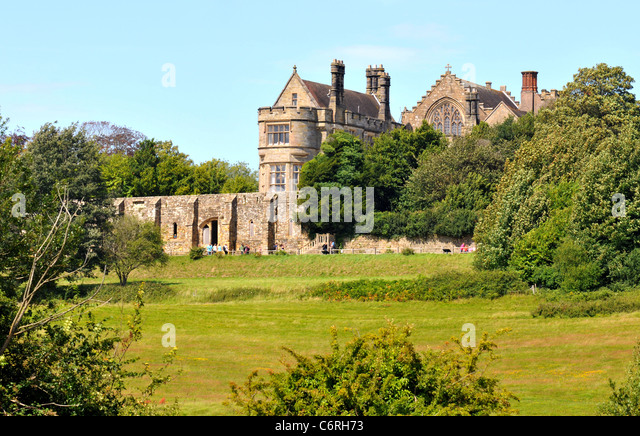 Battlefield, scene of the Battle of Hastings in 1066 and Battle Abbey in Battle,  East Sussex, Britain, UK - Stock Image