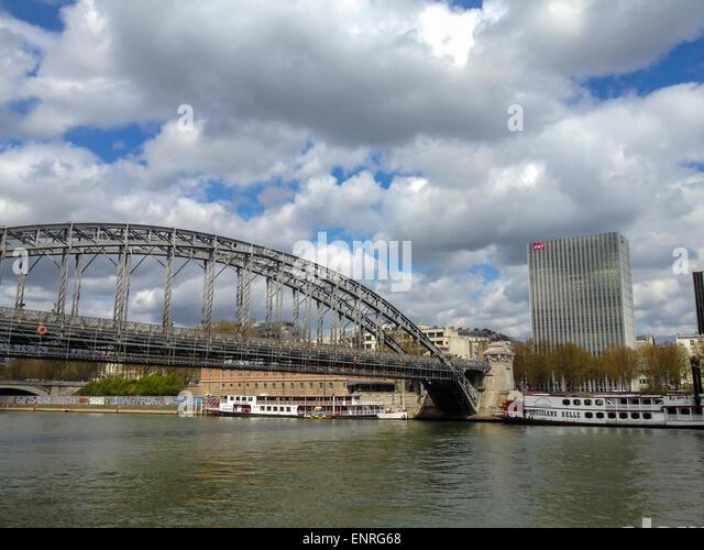 Paris, Bridges, France. Urban Scenics, Seine River with Austerlitz Bridge - Stock Image