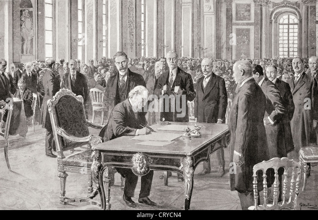 Mr. Lloyd George signs the Peace Treaty with Germany, June 28th, 1919, in the Hall of Mirrors, Palace of Versailles, - Stock-Bilder