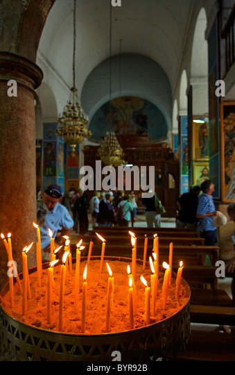 Interior of St George's church, Madaba, Jordan - Stock Image