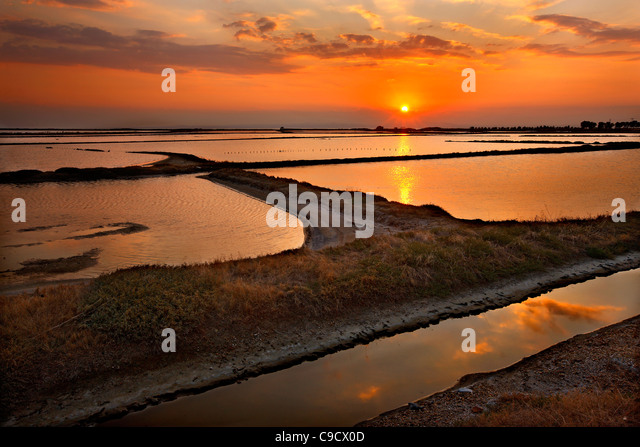 Sunset photo at the lagoon of Angelochori, a wetland about 30 km from Thessaloniki, Macedonia, Greece - Stock-Bilder
