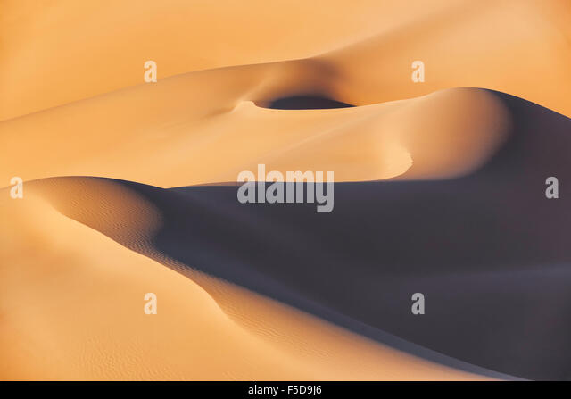 Sahara desert sand dunes, Erg Chebbi in Merzouga, Morocco. - Stock Image