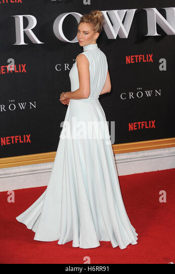 London, UK, UK. 1st Nov, 2016. Vanessa Kirby attends the world premiere of 'The Crown' at Odeon Leciester - Stock Image