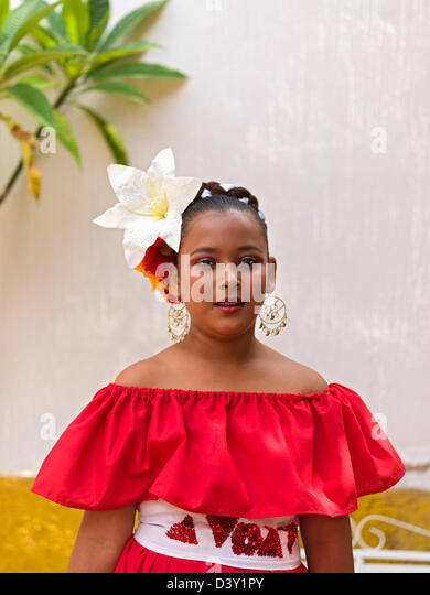 Mexico, Jalisco, Tequila, portrait of a young Mexican girl dancer in folkloric costume - Stock Image