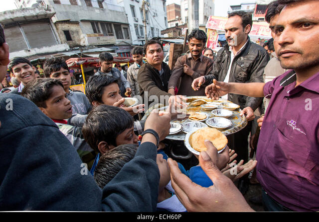 Food bank, food distribution to the poor, historic centre, Delhi, India - Stock Image
