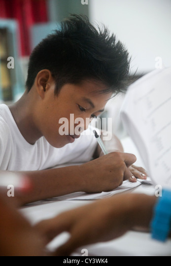working students in the philippines Online courses are any courses that can be taken by students at any location  i' m a filipina working abroad and i want to take up an a english course online.