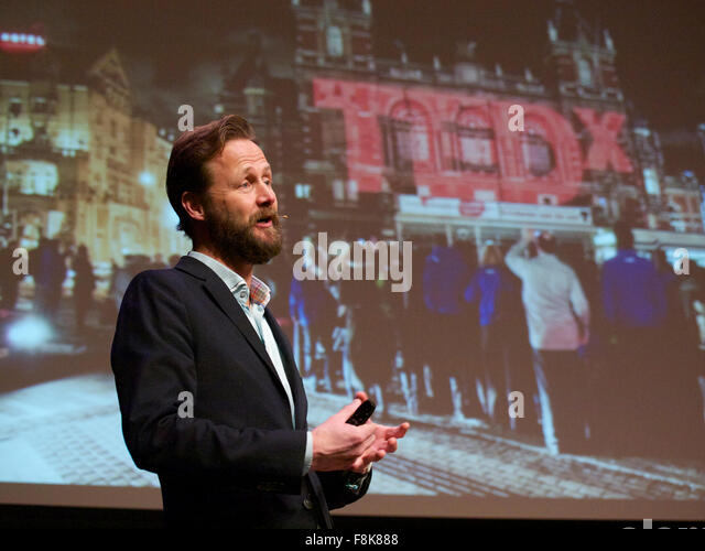 Dutch writer, entrepreneur, and innovation expert Jim Stolze talking about TedX on stage in Ermelo, the Netherlands - Stock-Bilder