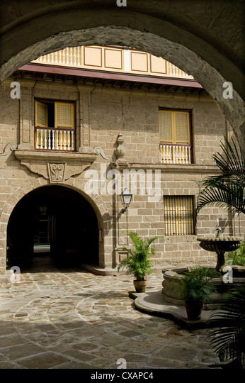 Courtyard of Casa Manila, a reconstructed example of Bahay na bato, the classic Filipino house, now a Museum, Intramuros, - Stock Image