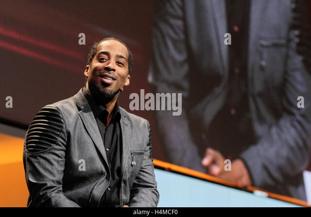 SAN JOSE, CA - NOV 3: Poetic voice & entrepreneur Sekou Andrews speaks at the Quickbooks Connect at the San - Stock Image