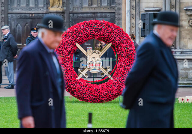London, UK. 10th Nov, 2016. A giant wreath representing the Army - The Duke of Edinburgh, Life Member, Royal British - Stock Image