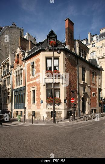 Hotel Rue De Tocqueville Paris