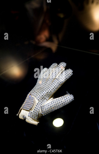 Michael jackson diamond glove moonwalk ,MJ gallery Ponte 16, Macau - Stock-Bilder