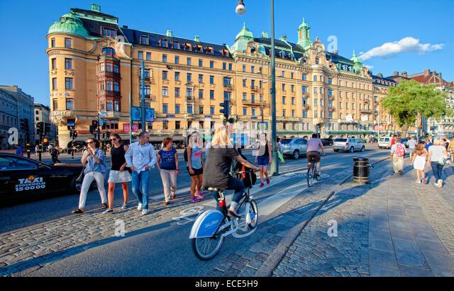 Sweden, Stockholm - Bicycle traffic at Strandvagen. - Stock Image