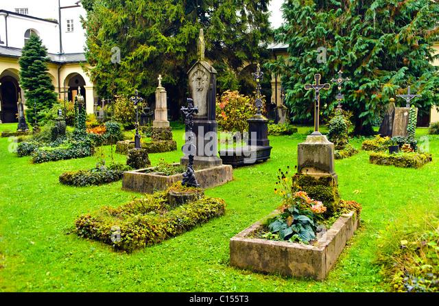 Mozart family plot at St. Sebastian's cemetary where Leopold Mozart and Constanze Mozart Nissen are buried. - Stock-Bilder