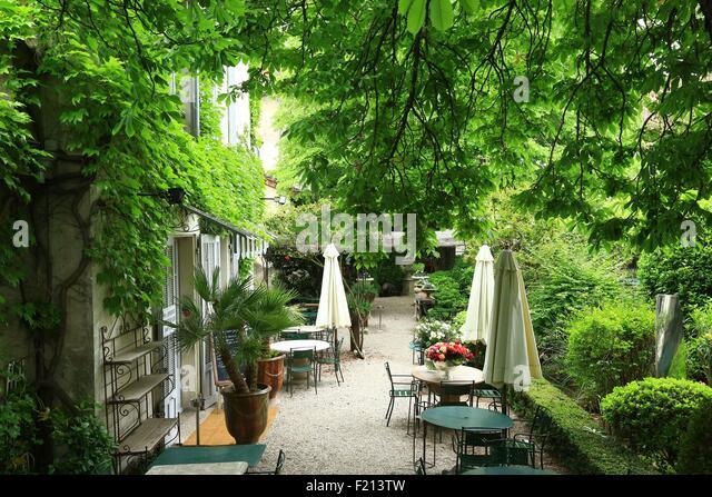 Le quai restaurant stock photos le quai restaurant stock for Le jardin du quai