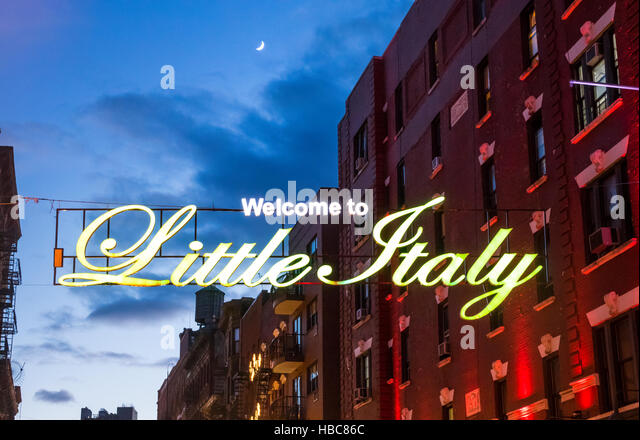 welcome-to-little-italy-sign-on-mulberry
